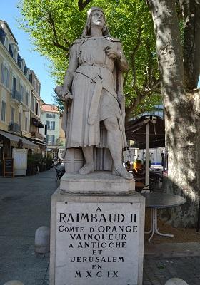 10 - Statue de Raymond II_orange.jpg