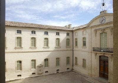 13 - Cour d'honneur inguimbertine actuelle.JPG