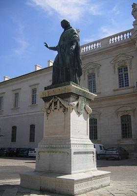 0 - 4 - Monument_à_Dom_Malachie.jpg