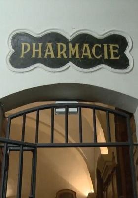 80 - Pharmacie.jpg