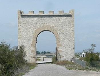 06 - 1 - Portail Maguelonne.jpg