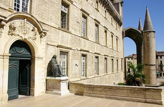 10 - Façade Faculté de Médecine.jpg