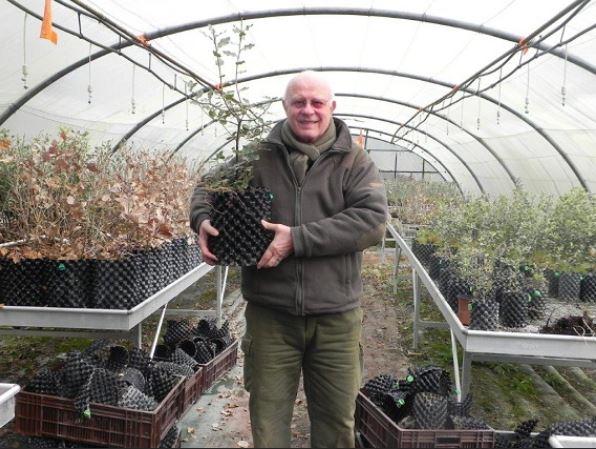 1 - 24 - nursery de chênes truffiers.JPG