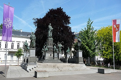 Lutherdenkmal_Worms_01.jpg