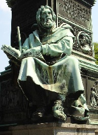 Pierre VALDES mémorial de Luther.jpg