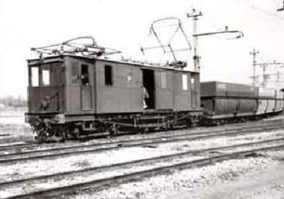 6 - 7 - 4 - Chemin de fer de Camargue 4 electrifié en 1932 il a fonctionné jusqu'en 1958.JPG
