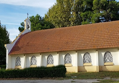 6 - 20 - eglise-catholique-salin-de-giraud- 2.jpg