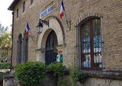 26 - 4 - mairie-annexe-de-salin-de-giraud-2.jpg