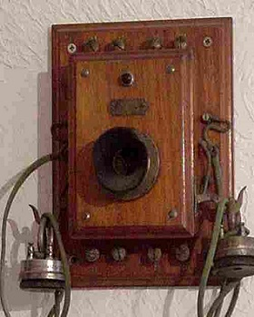 22 - telephone-ancien-mural-Picart-Lebas-1900.jpg