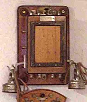24 - telephone-ancien-mural-d-Arsonval-1895.jpg
