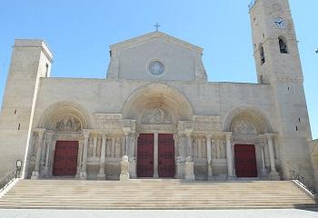 19 - Abbatiale de St Gilles.jpg