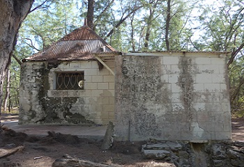 42 - 11 - Juan de nova pavillon 2.jpg