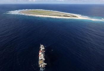 54 - île Tromelin abordée par le nord.JPG