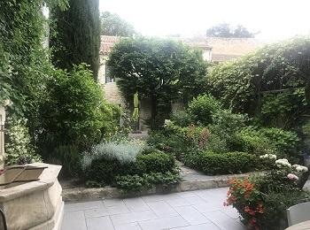9 - dans le jardin 260 x 350.jpg