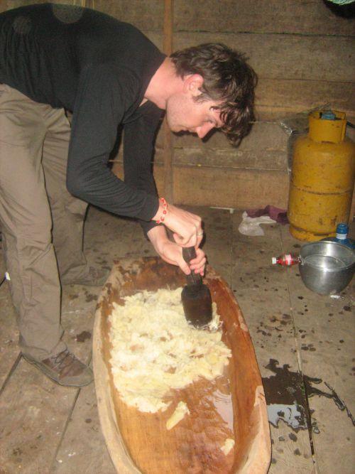 Ou mieux, bu de la bière de manioc ?