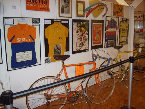 ren13 005 - collection André VINCENT 44