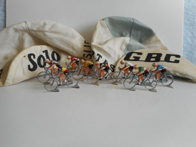 mar35 0019 - Cyclistes marque inconnue !