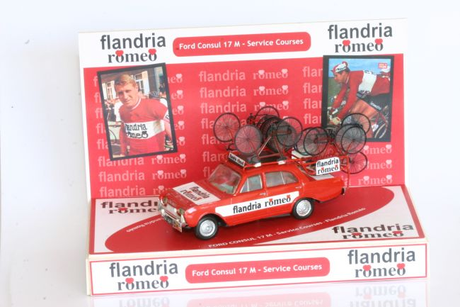 mar35 0269 - Ford Consul 17M, véhicule d'assistance courses équipe Flandria Romeo. Réalisation de Pascal Foulgot