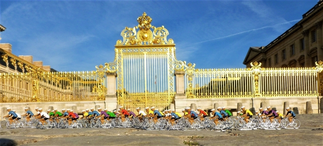 lud78 005 - Défilé devant le château de Versailles