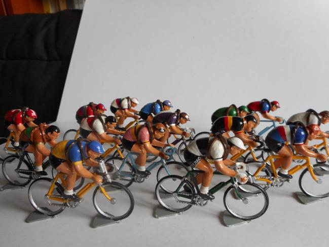 mrr 013 - Les équipes nationales et régionales Tour de France après guerre