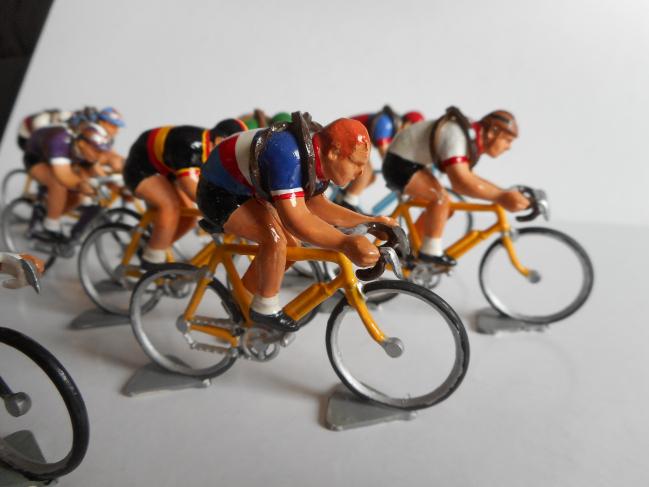 mrr 014 - Les équipes nationales et régionales Tour de France après guerre