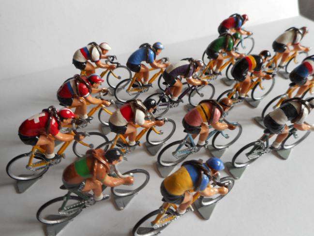 mrr 015 - Les équipes nationales et régionales Tour de France après guerre