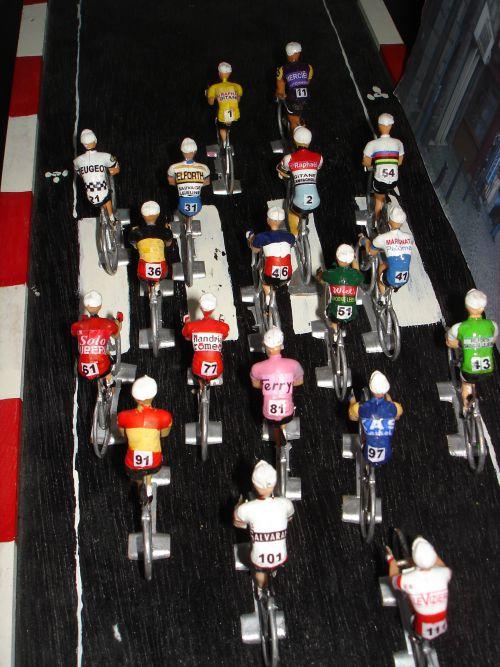 zb - 11 - Cofalu- 18 cyclistes Tour 1964