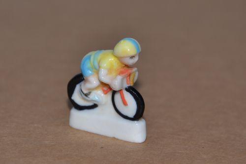 m 015 - fève cycliste