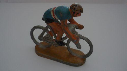 r 20 - cycliste quiralu