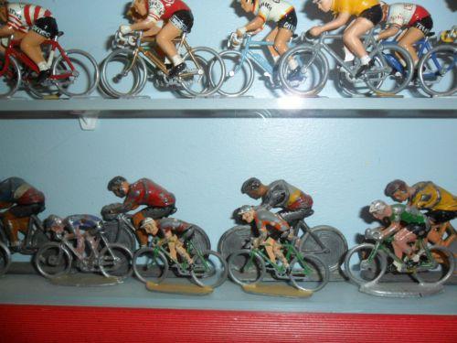 ric06 004 - cyclistes L.R (pour Louis Roussy circa 30/40)
