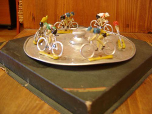 phi76 006 - Jeu avec cyclistes Aludo