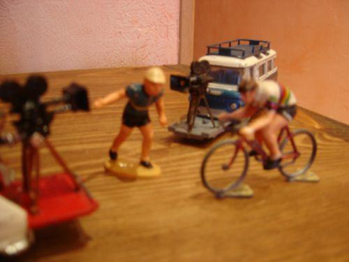 phi76 012 - R16 Corgi, pousseur et cycliste Roger (2)