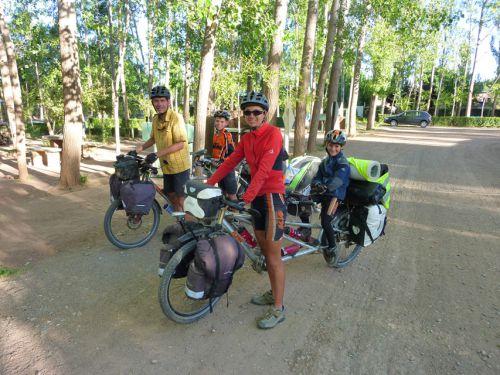 Famille autrichienne, cyclotouriste (Malargûe)