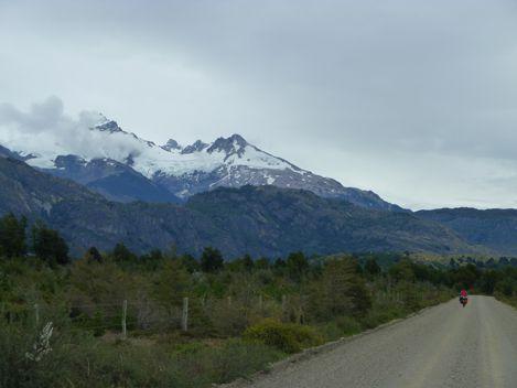 Julie en direction du Campo Hielo Sur (un glacier faisant 400 km de long)