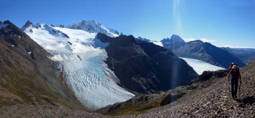 Pierrier au-dessus du glaciar Quervain