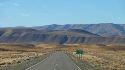 Et ça bavasse toujours dans les grands paysages argentins