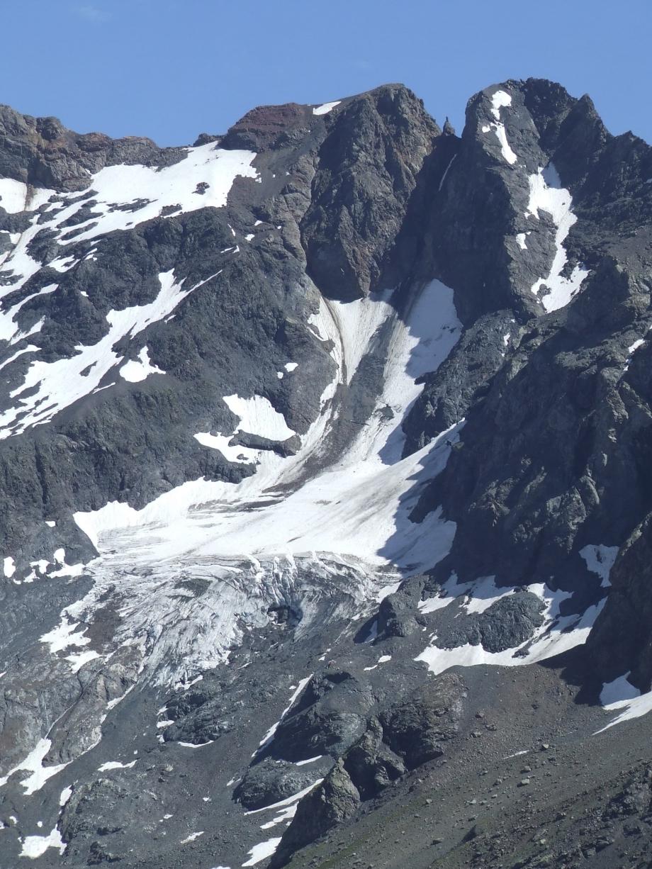 Vue rapprochée sur le glacier de l'Aup depuis la descente du Col de Fontfroide -  Haute route du Vieux Chaillol - 25.07.07 -1.JPG