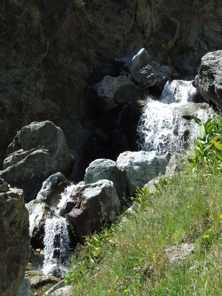 Le torrent encaissé de Val Estrèche -  Haute route du Vieux Chaillol - 26.07.07 - 2.JPG