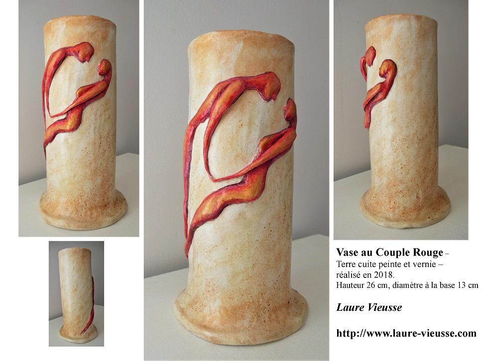 Vase au Couple Rouge