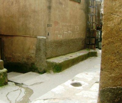 Tala N'tazart (Iboudrarene, Djurdjura), Tajemat u mehraz, située au centre historique du village (2)