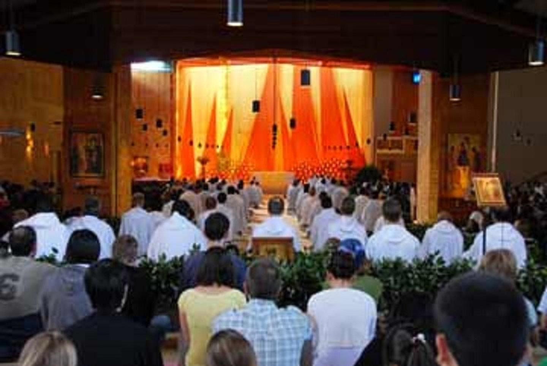Eglise à Taizé.jpg