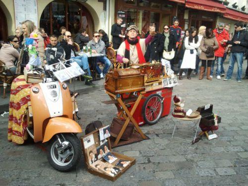 Musicienne à Montmartre