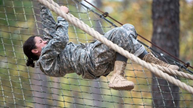 deux-femmes-militaires-deviennent-des-rangers.jpg