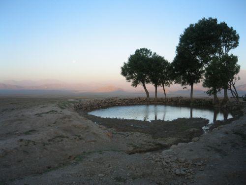 Un point d'eau dans le désert