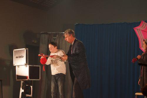 les enfants ont fait quelques tours de magie
