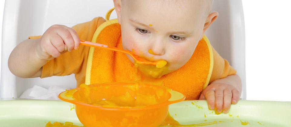 apprendre-manger-boire-seul-cuillere.jpg
