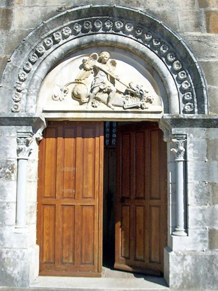 Eglise-Courcelles-Val-Esnoms.jpg