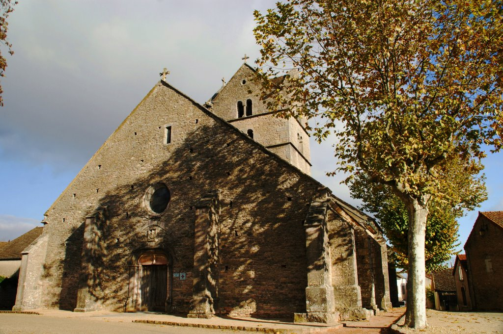 Eglise de Touches.jpg