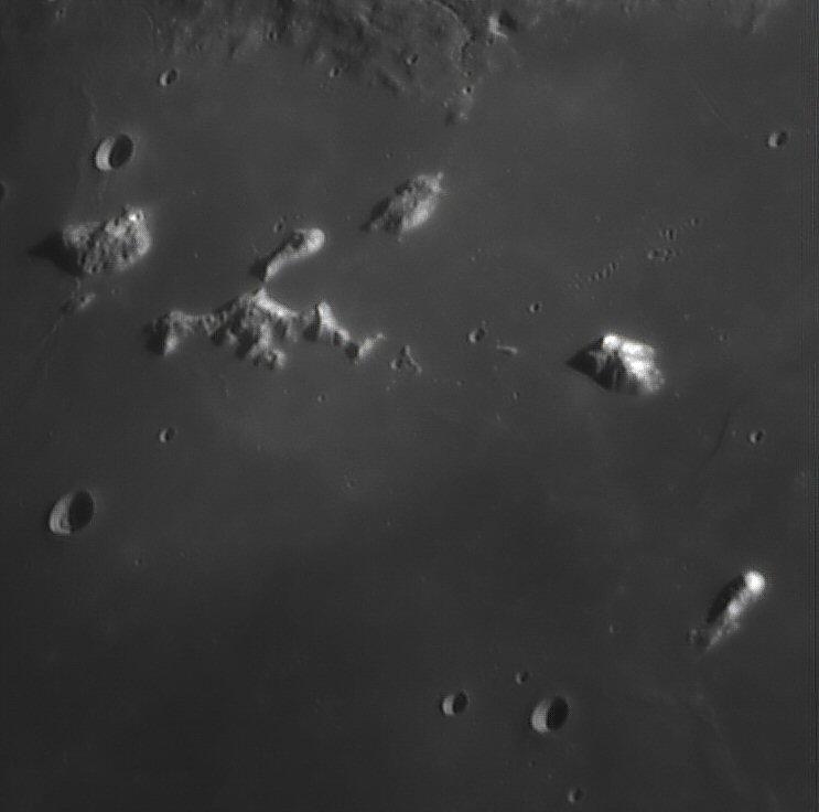 Moon_Bilinear_180316_ZWO ASI120M400_Gain=45_Exposure=19.jpg