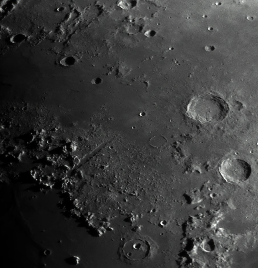 Moon_040217_ZWO ASI120MM_Gain=61_Exposure=1 (2).jpg
